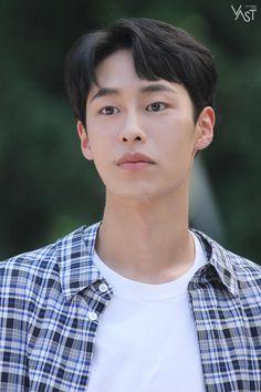 Korean Male Actors, Korean Celebrities, Asian Actors, Drama Korea, Korean Drama, Divas, Kdrama Actors, Cha Eun Woo, Flower Boys