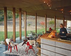 Red #Eames LCWs Two designers restore a low-slung midcentury gem in Napa, California, by an unsung Bay Area modernist.
