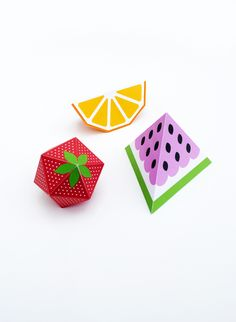 3D fruit. I have no idea what I would do with these if I made them, but I want to make them anyway! Who needs a fruit-themed party thrown for them? Anyone?