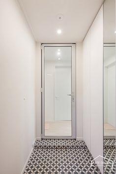 Entrance, Living Spaces, Doors, Interior Design, Mirror, Bathroom, House, Furniture, Home Decor