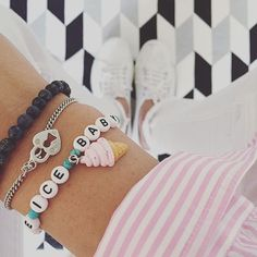 Moooorgen am Vize-Freitag ️  #040 #accessoires #accessories #accessory #armband #armcandy #armgedöns #bracelet #fashion #goodmorning #Hamburg #hh #iceicebaby #instadaily #instafashion #instamood #interior #jewellery #jewelry #letter #ootd #pink #stripes #sunny #superga #white