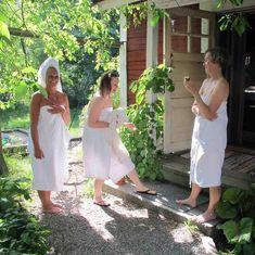 Käsintehtyä luonnonkosmetiikkaa ja ihania saunatuotteita.