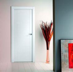 Puerta de interior lacada en blanco, modelo Lacada 8800