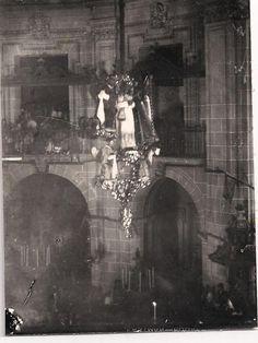 El Araceli desciende al final de la Vespra #MisteridElx Foto: H. Esquembre (1928)