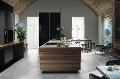 Bespoke Kitchens - Poggenpohl's 'Fourth Wall' (houseandgarden.co.uk)