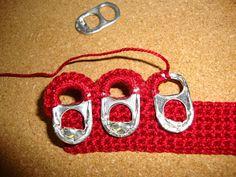 Las anillas de las latas también nos pueden servir para hacer bonitas manualidades de ganchillo. Por ejemplo, un monedero como este que nos enseña nuestra blogger Inovo #ganchillo #reciclaje
