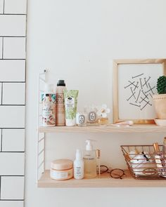easy diy bathroom shelves for storage solution 64 Romantic Home Decor, French Home Decor, Cottage Style Bathrooms, Relaxation Room, Fireplace Remodel, Shower Remodel, Remodel Bathroom, Shelfie, Home Interior