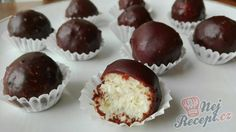 Donut Recipes, My Recipes, Cake Recipes, Christmas Sweets, Christmas Baking, Chocolate Balls Recipe, Bounty Chocolate, A Food, Food And Drink