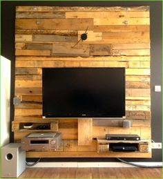 wood accent wall to improve your space tv wand raumteiler holzwand fernseher