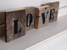 Sloophouten letters maken mooie woorden.