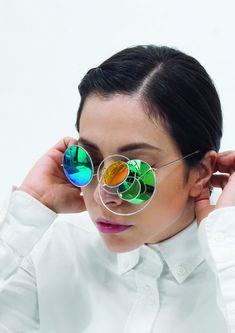 Royal College of Art London Jewellery & Metal 2015 Graduates Funky Glasses, Eye Glasses, Glasses Style, Metal Jewelry, Jewelry Art, Jewelry Design, Outfit Stile, Lunette Style, Royal College Of Art