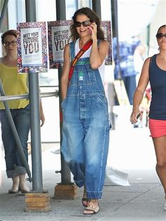 Katie Holmes, Gwen Stefani and other celebs wearing overalls