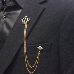 A stylish brooch can enhance the look of an accessories Fashion accessories ring accessories fashion accessories jewelry accessories sunglasses accessories necklace Brooch Men, Kings & Queens, Estilo Cool, Diamond Brooch, Men Necklace, Bracelet Men, Wedding Men, Stylish Men, Fashion Accessories