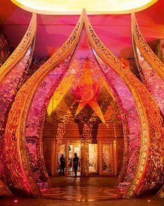 Kitsch, Bollywood, oriental palace, indian palace, palace of dreams Wedding Entrance, Wedding Mandap, Entrance Decor, Bollywood Theme, Bollywood Wedding, Bollywood Style, Wedding Stage Decorations, Indian Wedding Photography, Photography Ideas