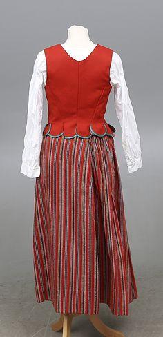 Bilder för 442329. FOLKDRÄKT, 6 delar, Skedevi, 1900-tal. – Auctionet