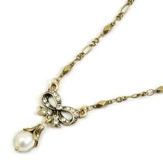 Sweet Romance Bow and Pearl Necklace
