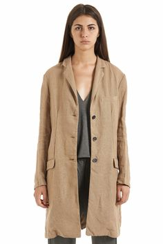 Coat by Barena Venezia from the Spring/Summer 15 collection exclusively on betosee.com HAVE A LOOK : http://www.betosee.com/collection/1292 #fashion #womenswear #trends #trends2015 #BarenaVenezia #coat #trench