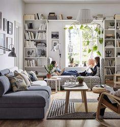 Sofa ums Fenster