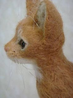 wonderful felted cats by Kilikulu X Erica