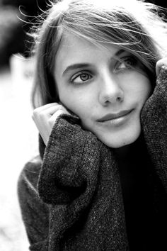 simple, et pourtant si belle. Melanie Laurent.