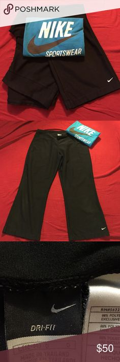 ⭐️Nike outfit bundle. 2 for 1⭐️ Nike Dri-Fit Capri wide leg pants in Large. Perfect condition. And Nike blue Tee size 8/10, gently used but great condition. Nike Pants Ankle & Cropped