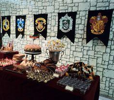 bandeiras das casas de hogwarts - Pesquisa Google