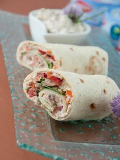 Thunfisch Wrap - Food and drink - Wrap Paninis, Vegetarian Recipes, Snack Recipes, Healthy Recipes, Tuna Wrap, Good Food, Yummy Food, Comfort Food, Wrap Sandwiches