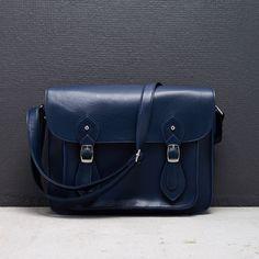 LZ341-59X Cambridge Satchel, Backpacks, Bags, Fashion, Handbags, Moda, Fashion Styles, Backpack, Fashion Illustrations