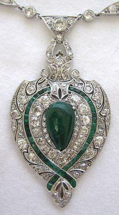 https://www.bkgjewelry.com/emerald-rings/597-18k-yellow-gold-diamond-emerald-solitaire-ring.html Art Deco Platinum Diamond Emerald Necklace