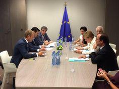 Σκληρό παζάρι στο περιθώριο της Συνόδου Κορυφης Τουσκ-Μερκελ-Ολάντ-Τσιπρα-Τσακαλώτου αυτή την ώρα  #EuroSummit