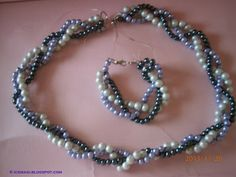 pearl necklace & bracelet