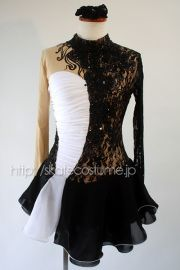 黒のデコレーションがゴージャスに、そしてひそかに輝きます!/フィギュアスケート衣装/FRY-295黒×白