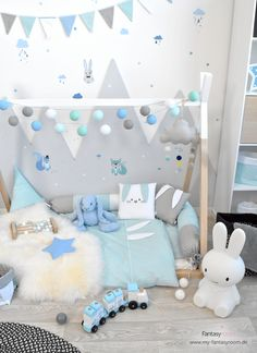 Waldtiere für Jungenzimmer in Blau & Mint Fox, rabbit, squirrel - the cute forest animals are a sugar-sweet wall design for the children's room! They adhere to both smooth walls and woodchip. Kids Playroom Rugs, Kids Playroom Storage, Playroom Table, Kids Playroom Furniture, Playroom Wall Decor, Baby Room Decor, Playroom Quotes, Playroom Organization, Playroom Ideas