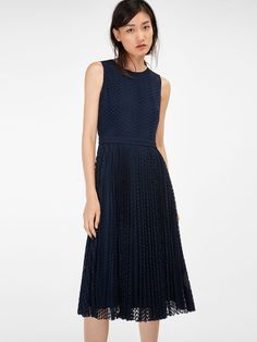 Guioure Lace Pleated Dress in Navy Blue (Massimo Dutti)