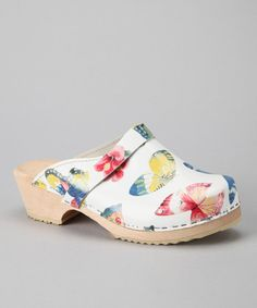 Cape Clogs | Daily deals for moms, babies and kids