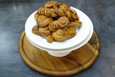 Argiros recipe with masticha. Sweets Recipes, Easter Recipes, Holiday Recipes, Cooking Recipes, Greek Sweets, Greek Desserts, Greek Easter, Biscotti Cookies, Easter Cookies