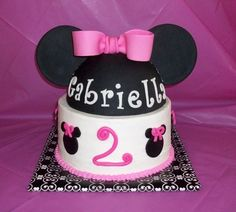 Minnie Mouse cake. @Melinda Reynolds Tripp