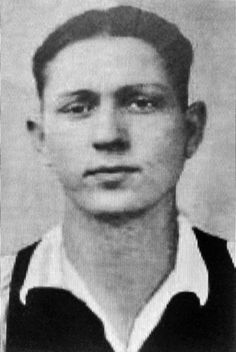 Clyde Barrow (1909-1934) Bank robber and murderer. Died in an ambush by law enforcement in Louisiana.