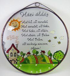 Ez az üvegfestmény különleges dekorációja lehet otthonodnak vagy stílusos ajándék házavatóra. Grafikája, jogvédelem alatt áll. Glasmalerei mit Kupferfolie umrahmt. Mit Kupfer- oder antiquiertem Rahmen. Kann ins Fenster gehängt, als Wanddekoration oder als ein süßes, individuelles Geschenk verwendet werden. #üveg#dekoráció#házavató#otthon#ajándék#glas#glasgemald#Hause#Hauptdekoration Decorative Plates, Lol, Tableware, Home Decor, Stained Glass, Copper, Wall Hanging Decor, Dinnerware, Decoration Home