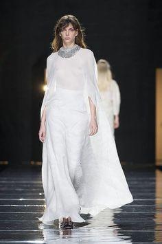 Mercedes Benz Fashion Week. Desfile del diseñador Duyos zapatos joya nueva colección @customandchic by #duyos