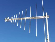 New log periodic array from InnovAntennas with parasitic element enhancement