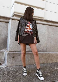 Expensive Women S Fashion Brands Code: 4979501555 Estilo Converse, High Top Converse Outfits, Edgy Outfits, Retro Outfits, Cute Casual Outfits, Fashion Outfits, Converse Sneaker, Sneaker Outfits, Women's Converse
