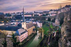 © Sabino Parente Photographer / LFT Samen met Luxembourg for Tourism Vergis je niet. Luxemburg is klein, maar wél groots in variatie. Want het grenst aan drie landen, telt veel nationaliteiten onder zijn bevolking, en kiest daarbij slim het beste van alles. Dat zie je, voel je, proef je. Multicultistad Luxemburg © Christian Millen / …