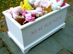 #DIY Beautiful handmade #toybox!