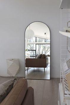 18 Ways to Make Your Living Room Seem Huge Home Decor Bedroom, Home Living Room, Living Room Decor, Large Mirror Living Room, Large Mirrors, Huge Mirror, Decor Interior Design, Interior Decorating, New Wall