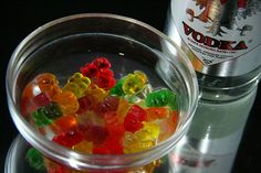How to Make Vodka Gummy Bears - might try this @Kate Hudson