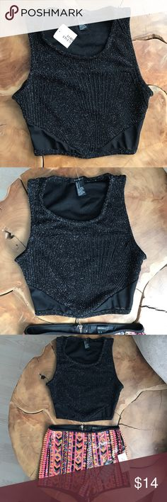 """🖤✨ Sparkle Crop Top ✨🖤 🖤⭐️ Sparkle Black Crop Top with mesh accents. Size Small. Forever 21  """"brand new"""" super cute fit!! ⭐️🖤 Tops Crop Tops"""
