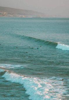 Surfen in Marokko: perfect om de winter in Nederland te ontvluchten! Surf Trip, Surf Travel, Visit Morocco, Learn To Surf, Big Waves, Surfers, Outdoor Travel, Strand, Adventure Travel