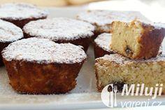 Banánové muffiny s čokoládou Recept - Milujivaření.cz Banana Bread, Breakfast, Food, Morning Coffee, Essen, Meals, Yemek, Eten