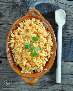 An authentic recipe for Mexican Rice {arroz rojo}. Plus tips on getting perfectly cooked rice.